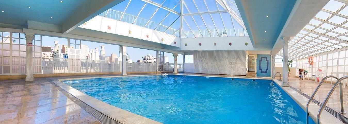 Hotel magic cristal park web oficial hotel 3 estrellas centro benidorm - Hoteles con piscina cubierta en benidorm ...